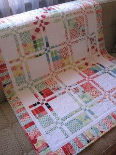 Tin Whistle: Disappearing four patch quilt tutorial...how very cheery!.