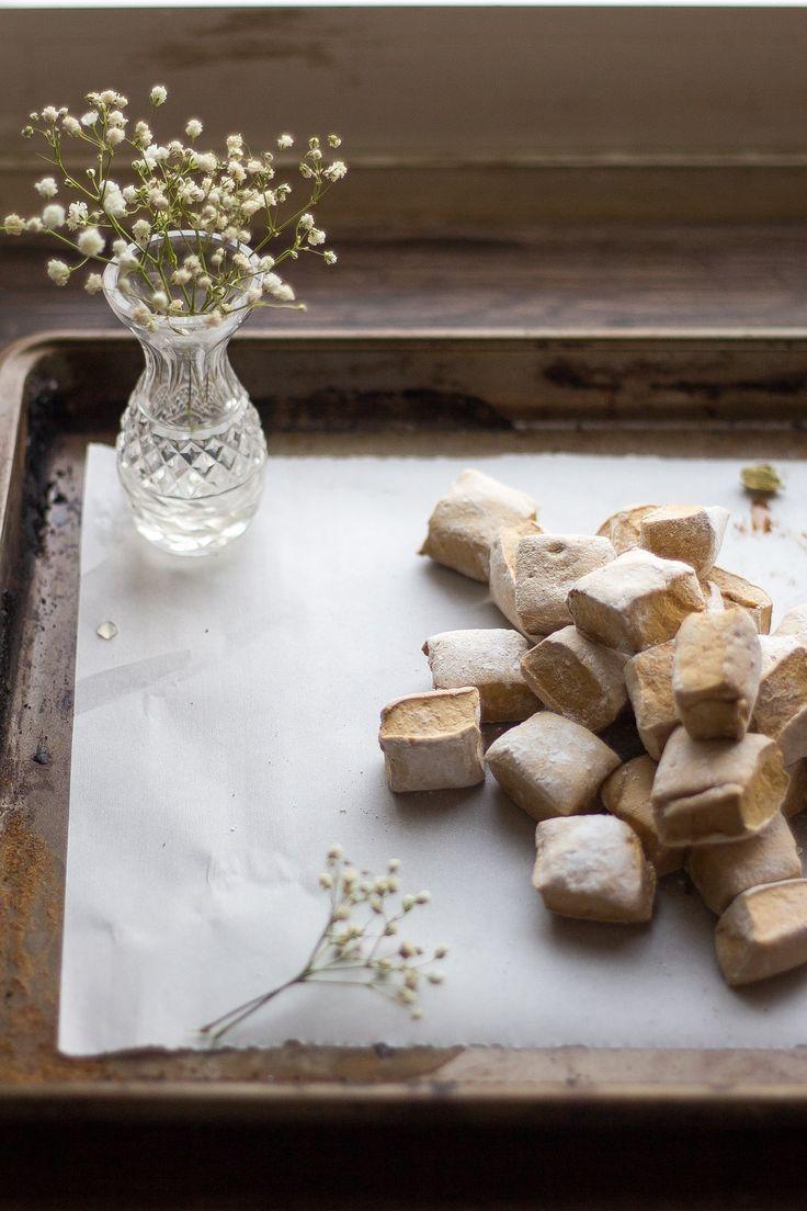 ... gingerbread marshmallows (gluten-free) ...