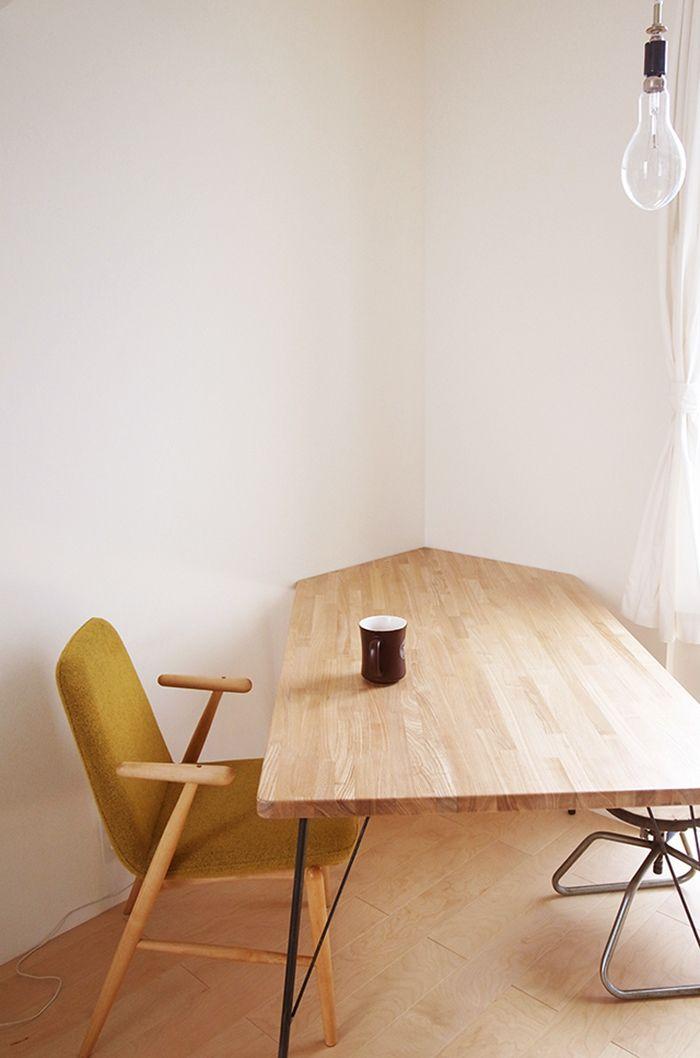 ダイニングテーブルを初心者の私がDIYしたレポート記事です。6ステップに沿うだけで、DIY初心者でも簡単手軽にチャレンジできます!理想にぴったりのダイニングテーブルができますよ。