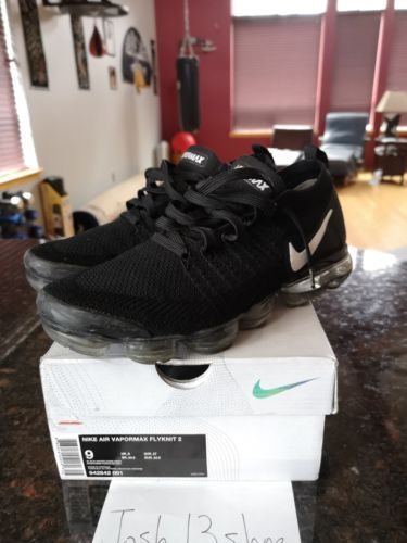 low priced aaf4c 8eb24 nike vapormax Flyknit 2 Black White 2.0 Size 9 Free Air Max