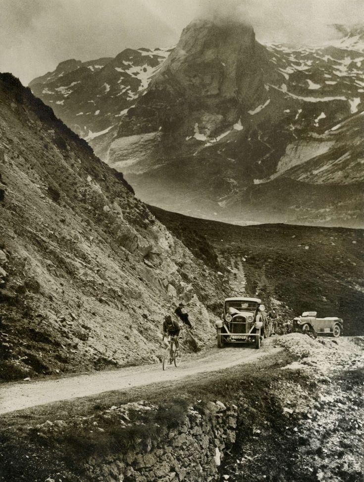 Cycling, Tour de France 1925. The Italian Ottavio Bottecchia rides alone on the Col d'Aubisque in the Pyrenees. Bottecchia will win Tour of 1925. France, July 1, 1925.