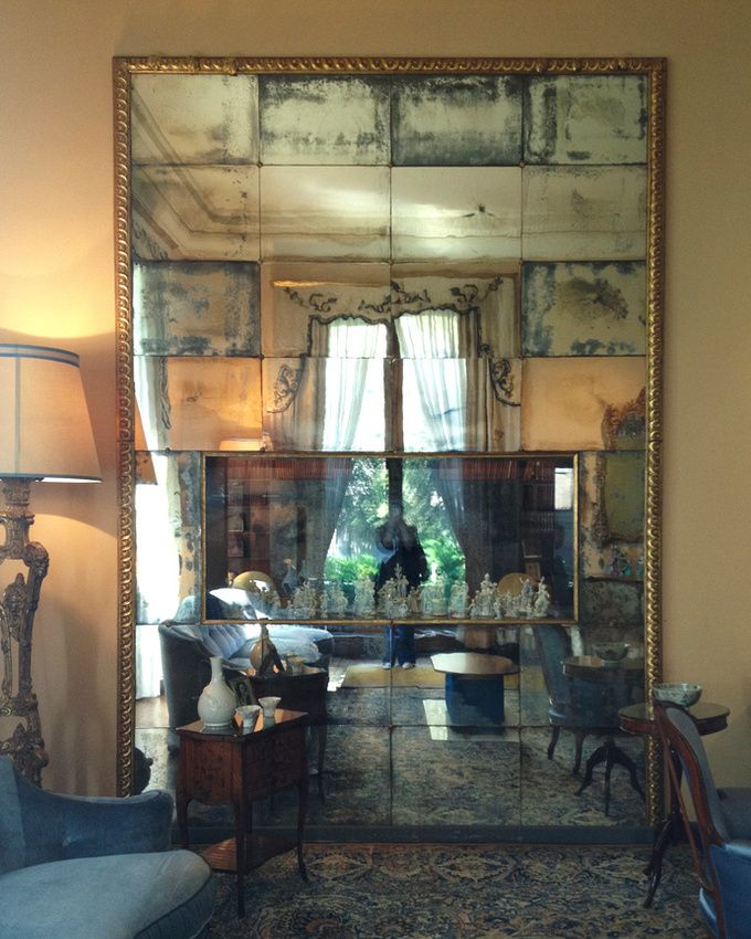leslie williamson: note from milano/villa necchi. (big antiqued/ mirror would be sexy in the guest room)