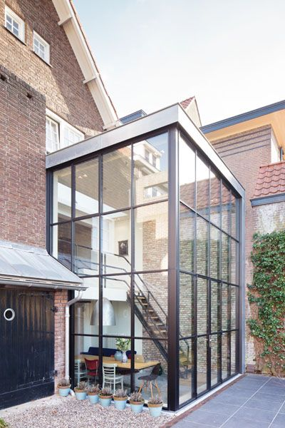 Modern extension of a 1930's house in the Netherlands by BuroKoek