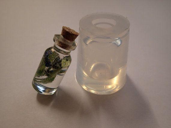 Etsy で見つけた素敵な商品はここからチェック: https://www.etsy.com/jp/listing/237990724/clear-silicone-bottle-mould-for-resin