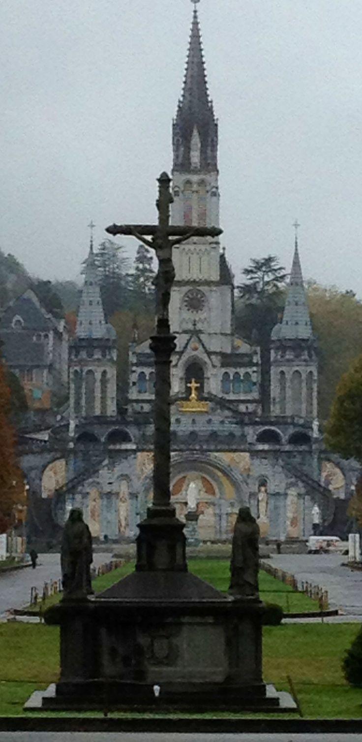 basilique de Lourdes, Mdi-Pyrénées
