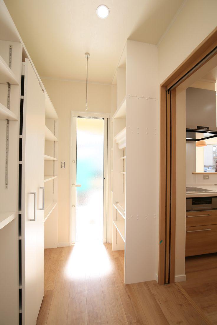 キッチン横ユーティリティ&パントリー  #ユーティリティ #家事室 #パントリー #収納