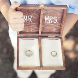 Would you have a toddler walking down the aisle with rings on your wedding? Here is an awesome DIY ring box for him.