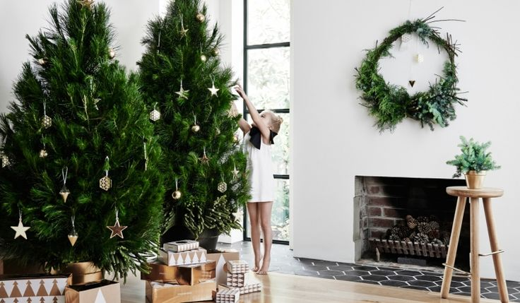 A floral and event stylist on how to dress your home and tree this Christmas - Vogue Living