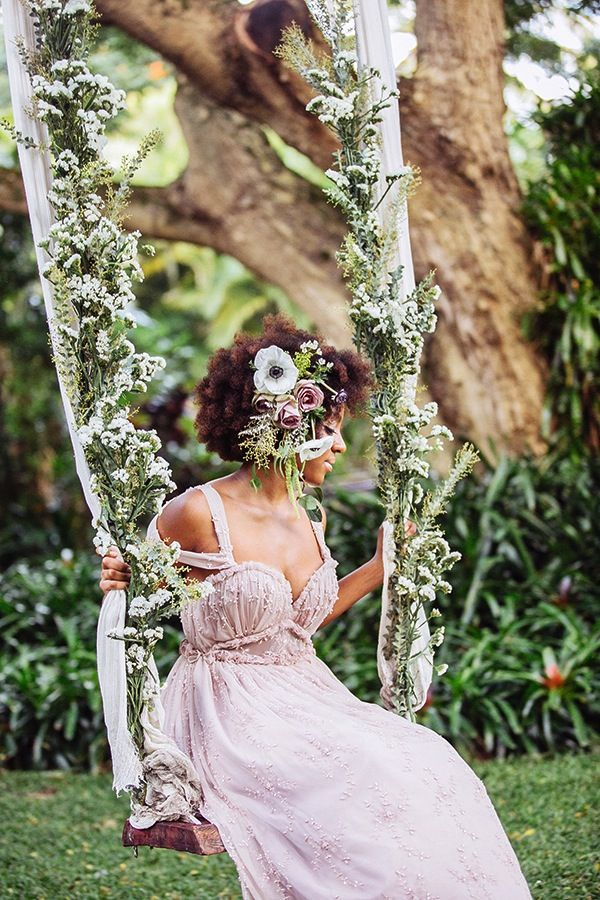 Dreamy Floral + Moss Wedding Ideas | Hawaii Wedding Flowers + Fashion