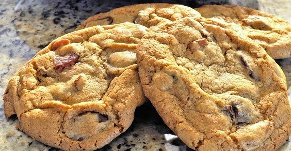 Orlando restaurant recipes: Peterbrooke Chocolatier bacon-chocolate-chunk cookies among Orlando restaurant recipes.