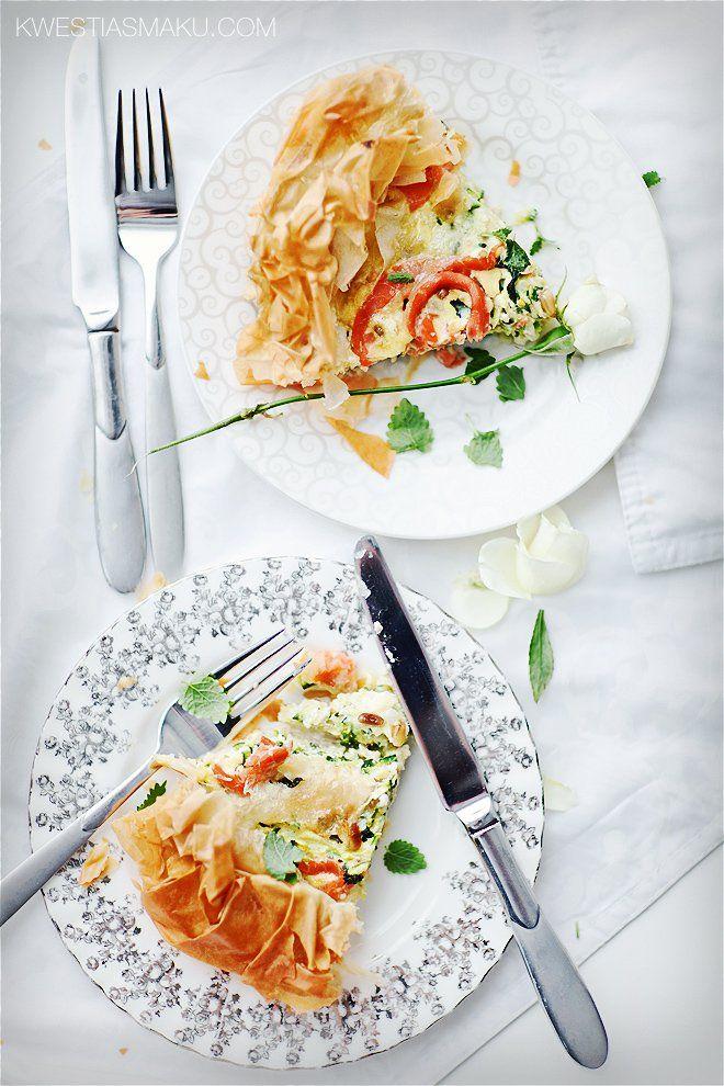 Quiche Z Ciasta Fillo Z Cukinia Kozim Serem Lososiem Wedzonym I Orzeszkami Pinii Kwestia Smaku Recipes I Love Food Food Inspiration