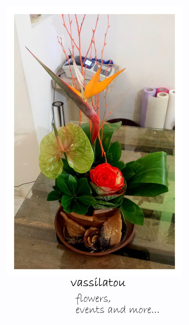 flower arrangement in candle pot! www.vassilatou.gr flowers, events and more...
