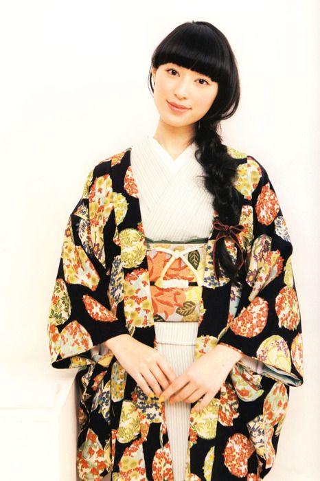 着物姿の栗山千明さん Japanese most beautiful actress Chiaki Kuriyama in kimono