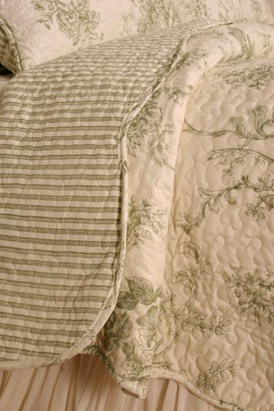 Green toile quilt throw bedroom pinterest french toile and