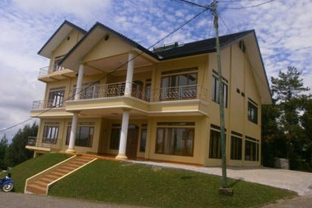 Lihat berbagai tempat luar biasa ini di Airbnb: Wisata Vila Istana Bunga di Bandung Barat