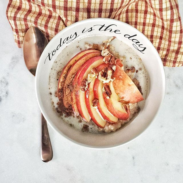 This bowl of warm fall-inspired oatmeal comes from #WWCanada member @themindfulmaven ! For just 6 #SmartPoints values, it includes:  1/2 cup oats cinnamon  apple slices pecans maple syrup  almond milk                                                        What does your breakfast look like? Share with us by using #WWCanada!