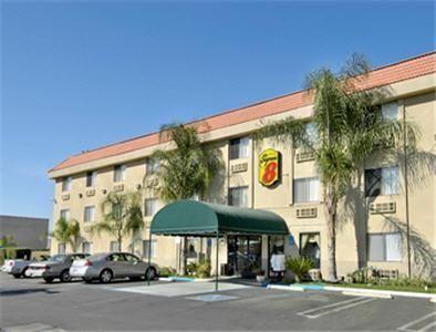 Super 8 Hemet - 2 Star #Motels - $70 - #Hotels #UnitedStatesofAmerica #Hemet http://www.justigo.ws/hotels/united-states-of-america/hemet/super-8-hemet_91682.html