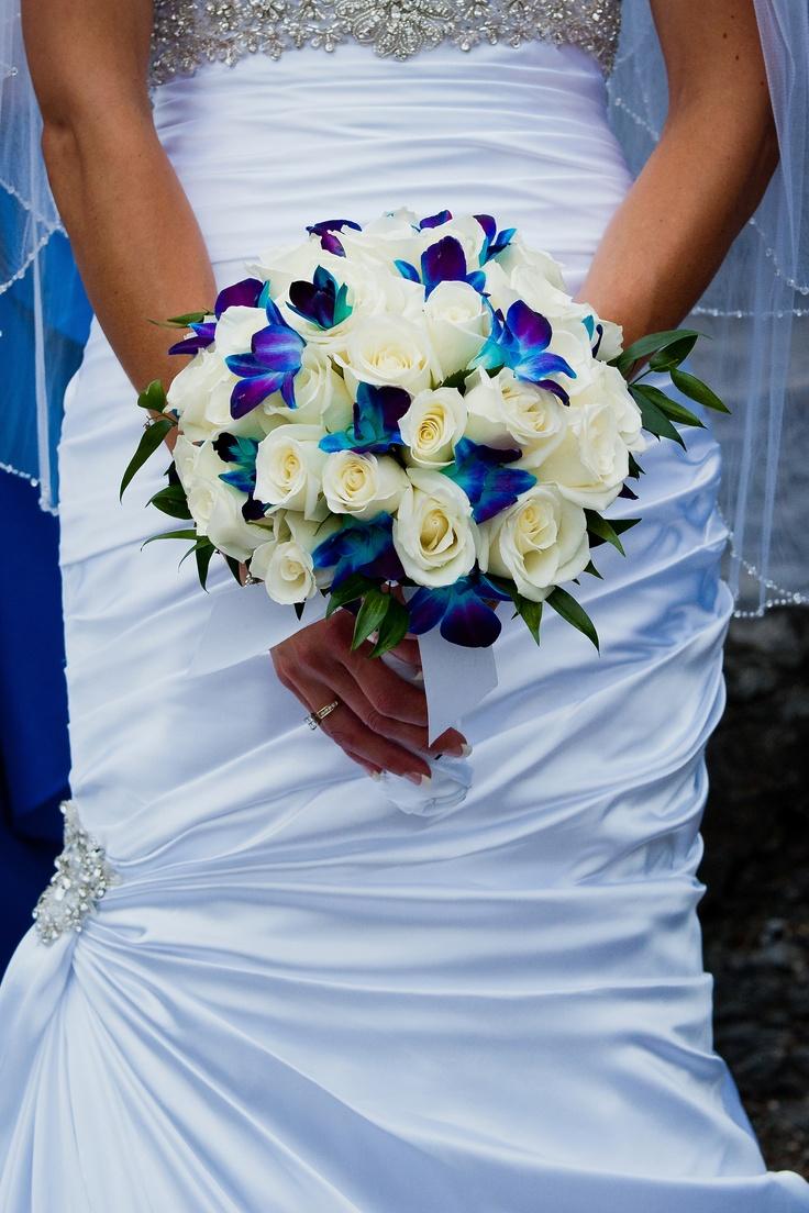 Wedding Bouquet Flower Combinations : Gorgeous floral bouquet the white roses blue orchids