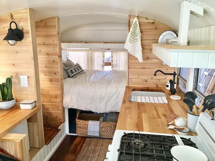 6 ideas to build your van for a road trip: build a bus all in one
