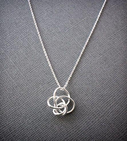 Petite Twist Necklace -Silver
