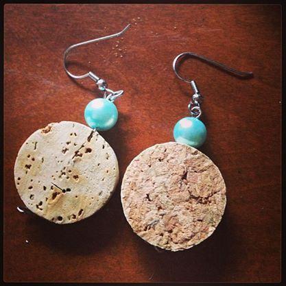 wine cork earrings - DIY tutorial