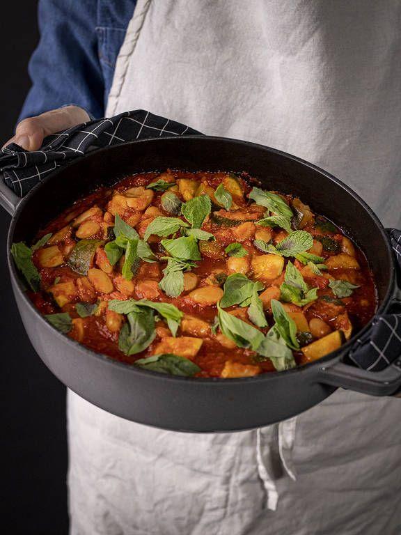Vegane Rezepte Leckere Kochideen Kitchen Stories In 2020 Zucchini Eintopf Eintopf Weisse Bohnen