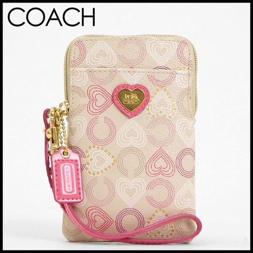 COACH iPhone Case 62821 is going up for auction at  5pm Fri, May 17 with a starting bid of $1.