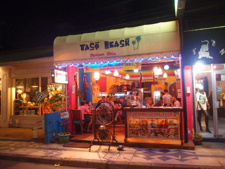 Seminyak - Taco Beach serving a great Naco Supreme.
