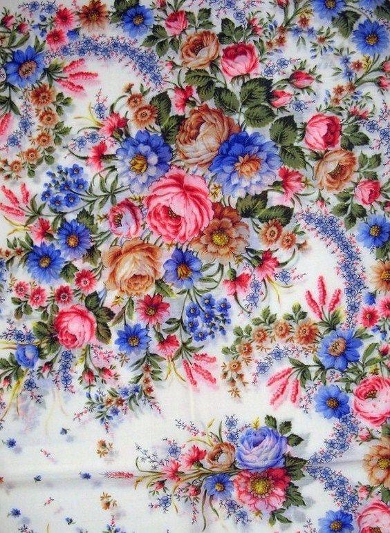 Russian Pavlovsky Posad shawl. A floral pattern. #folk #beauty #Russian #shawl