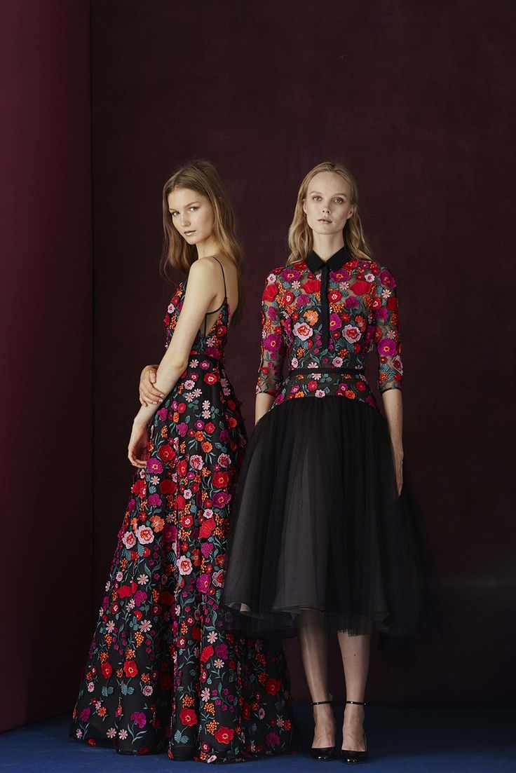 See the complete Lela Rose Pre-Fall 2017 collection.