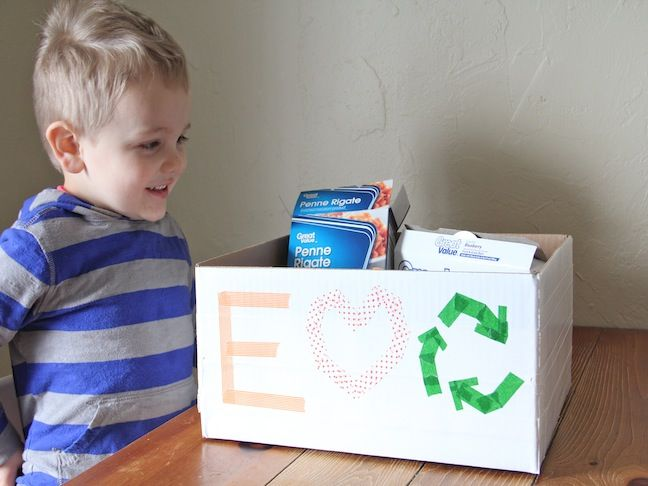 A great Earth Day craft: DIY Recycling Bins for Kids!