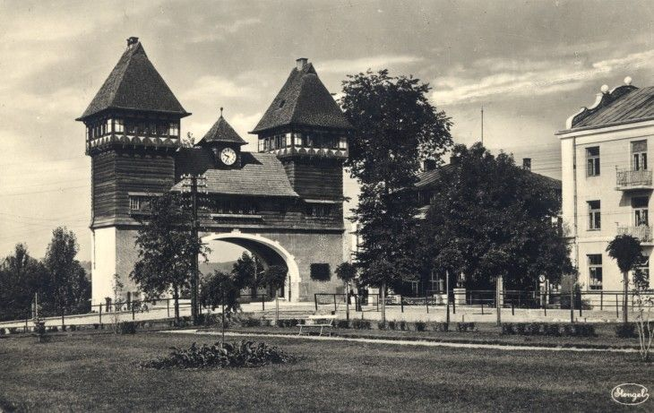Bridge gate in Puławy (Poland) at Vistula river, built in 1916 by Austrians.