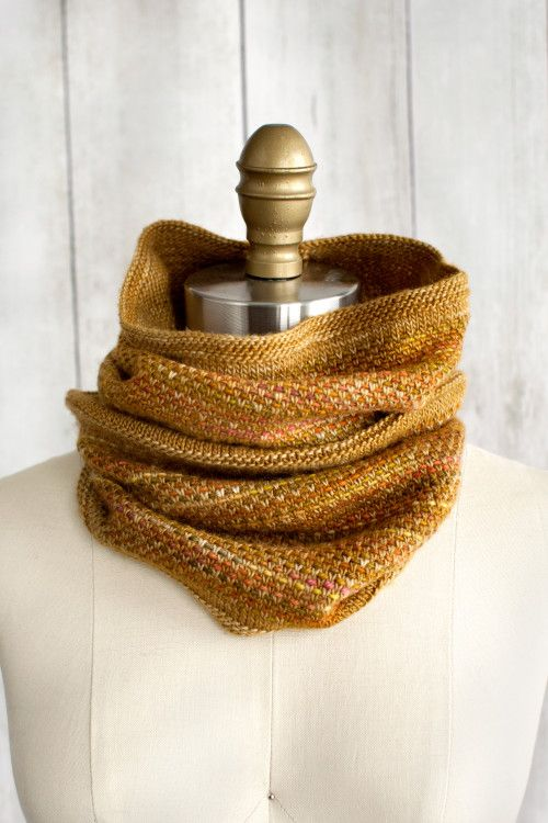 Free Knitted Cowl Patterns Pinterest : 1000+ ideas about Knit Scarves on Pinterest Knitting projects, Scarf patter...