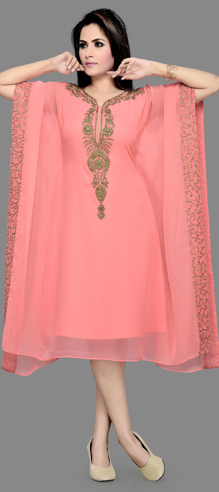 40p 325205: Pink and Majenta color family stitched Kaftan .