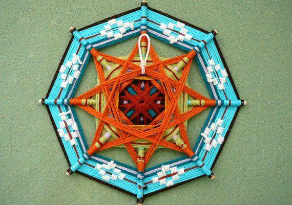 DIY: Weaving a Complex Ojo de Dios | Avventura