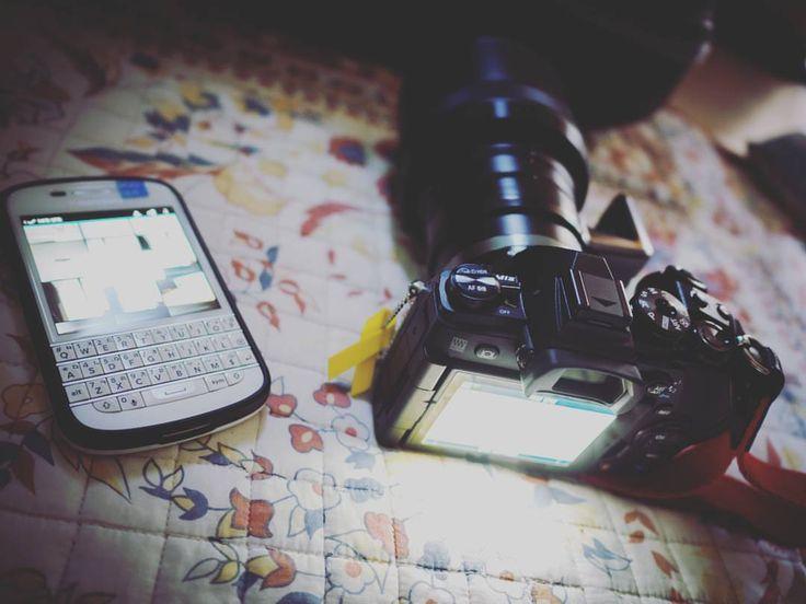 #inst10 #ReGram @yungilhan: #블랙베리 #큐텐 #올림푸스 #오엠디 #이엠원 #마크투 #blackberry #Q10 #olympus #omd #em1 #mark2  #남들은 #안쓰고 #무시하는 #비주류 를 선호하는 #이상한사람  #BlackBerryClubs #BlackBerryPhotos #BBer #RIM #QWERTY #Keyboard
