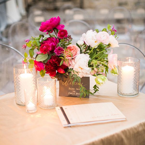 welcome table flowers -- Austin Wedding at The Allan House Snippet & Ink