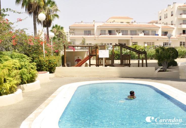 Catalonia Oro Negro is een prima hotel tegen een goede prijs. Het ligt in Playa de las Americas op korte afstand van het strand en het centrum. Men biedt een uitstekende service, verzorgde kamers en smaakvol eten. Wij wensen u alvast een fijne vakantie!