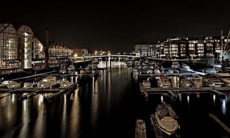 Night over Nidelva by Aziz Nasuti on 500px
