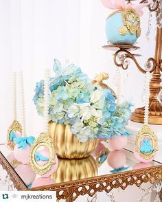 I am in love with the cake pops I did for @mjkreations  #cinderella #cakepops