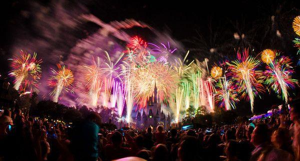 Les accros à Disney: Feux d'artifices en direct pour le décompte du nou...