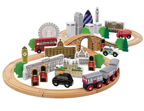 Kids wooden toy train set which includes famous London landmarks such as Buckingham Palace, Big Ben and Harrods.