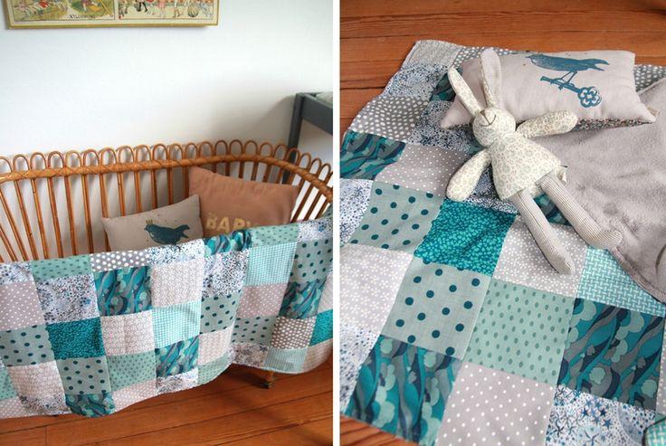 les 199 meilleures images propos de cousettes pour enfants sur pinterest bavoirs. Black Bedroom Furniture Sets. Home Design Ideas