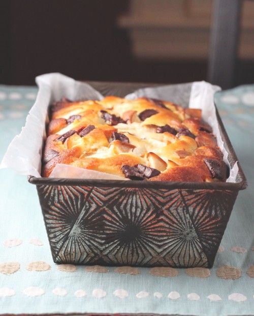 yogurt cake with pear & dark chocolate
