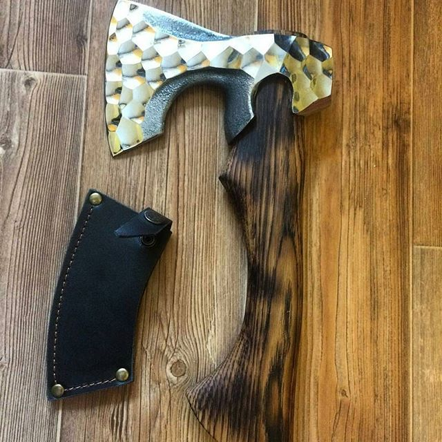 Credit to @topor.ru - #canivetes #canivete  #knives #knife  #سكين #刀 #칼 #нож #messer #couteau #coltello #survival #blades #blade #navaja #ножи  #customknives #knifestagram #knifecollection #knifecollector  #love #instagood #cutelaria #axe #machete #machado #floresta #rural