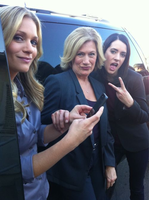 AJ Cook, Jayne Atkinson, and Paget Brewster on the set of CM (Thomas Gibson's Tumblr)