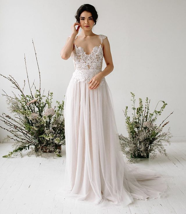 Desiree Hartsock Bridal S Stunning Flora Gown A Whimsical Wedding Dress With A Illusio Wedding Dresses Whimsical Whimsical Wedding Gown Wedding Gowns Mermaid