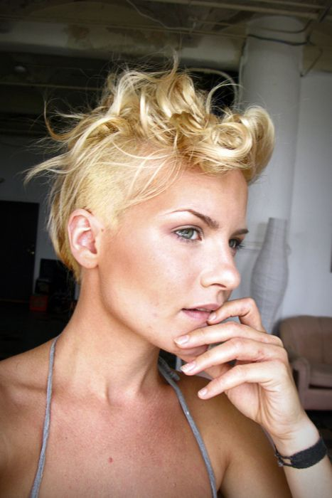 girl mohawk | Tumblr    I want to make this a thing.  Mohawks, man.  Mohawks.