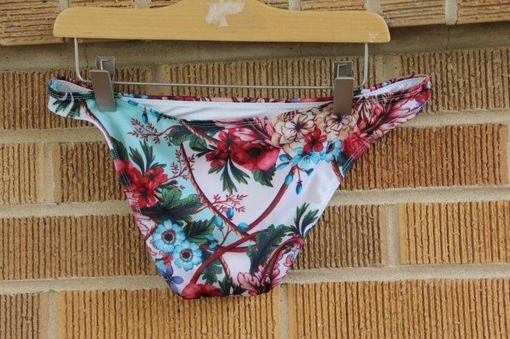 Lands' End Le Bas de Bikini Sunrise Multi-Motifs Géo, Femme Stature Standard - Noir - 40