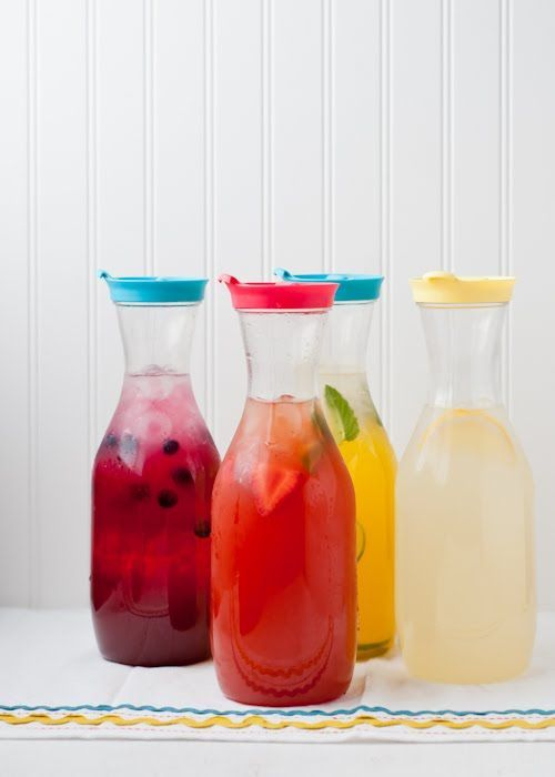Lemonade 101. Everything you need to know to make classic or flavored lemonades. | Design Mom.